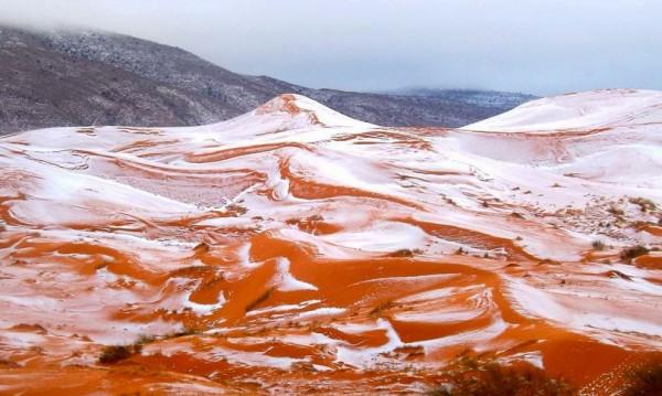 За първи път от 37 г.: Сахара побеля от сняг