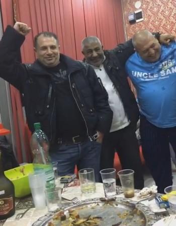 След ужаса в Берлин: Аверите на Муса сложиха софрата, ликуват