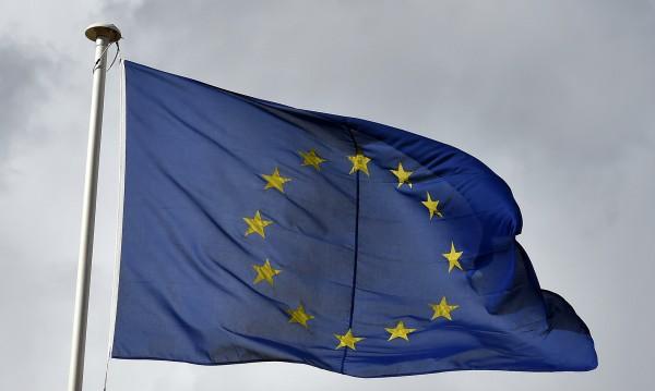 Брюксел търси съюзници да вземе гласа на Полша в ЕС