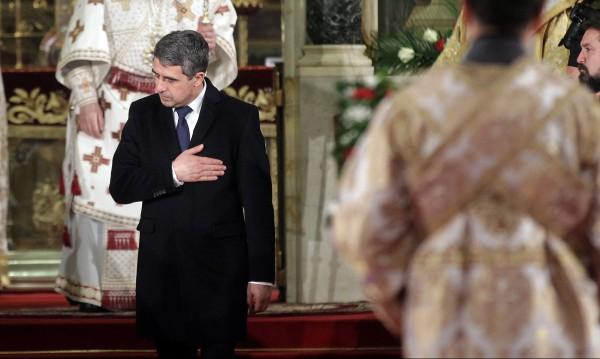 Плевнелиев до Путин: Нашите сърца скърбят с Вас