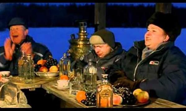 """16 кашона с водка в """"Особености на руския национален риболов"""""""