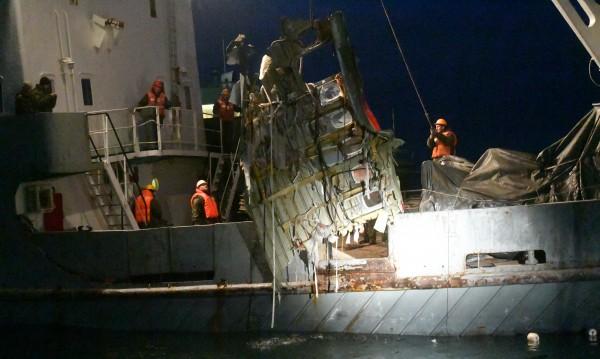 Открити са над 1500 отломки от разбилия се Ту-154