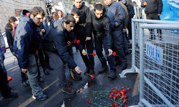 Издирват още една българка след стрелбата в Истанбул