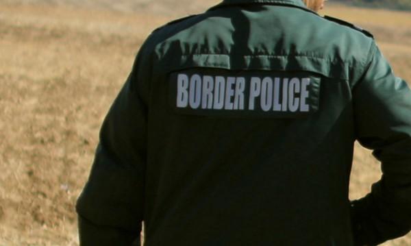 """Хванаха 48 мигранти на """"Дунав мост"""", скрили се в камион"""