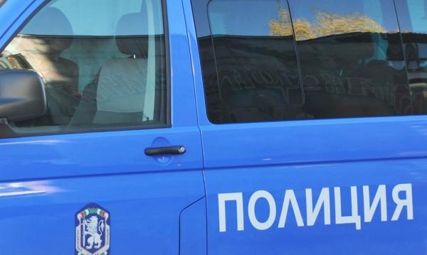 Турски ТИР не спря на стоп палка, тръгна срещу полицай