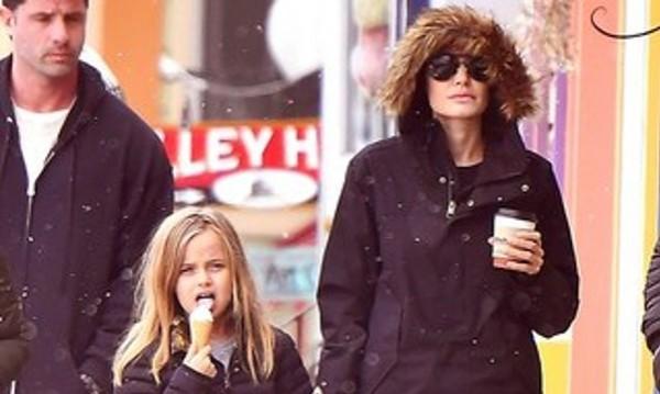 Джоли отведе децата далеч от Пит. На ски