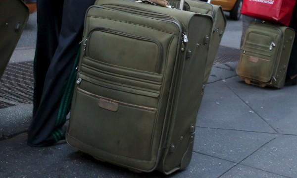 Челен опит от Испания: Крият бежанци в куфар