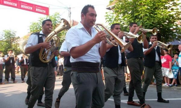 Още два сръбски топ оркестъра идват за Балканица