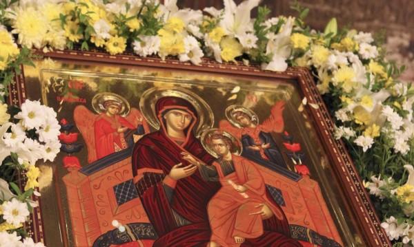 """Иконата """"Св. Богородица Всецарица"""" пристига в София"""