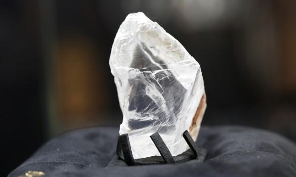 Ловки пръсти: Свиха бижута за ?5,5 млн. под носа на бижутера