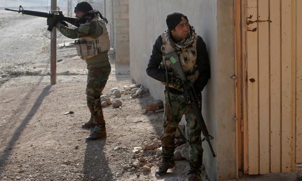 Амнести: България въоръжава паравоенни формирования в Ирак