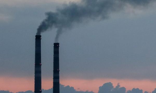 Безсилие и мръсен въздух: Стимулира ли държавата смога?