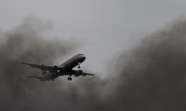 Руски пътнически лайнер в опасна близост с чужд самолет