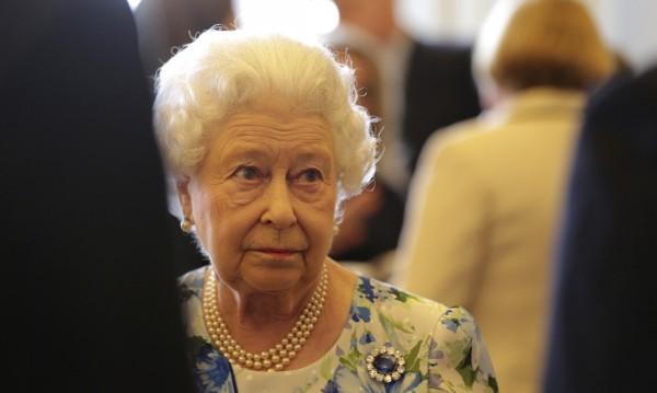 Кой ли нарушава спокойствието в Бъкингам? Кой може – Елизабет!