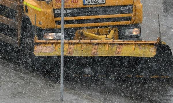 Затварят пътищата на Витоша, за да почистят снега