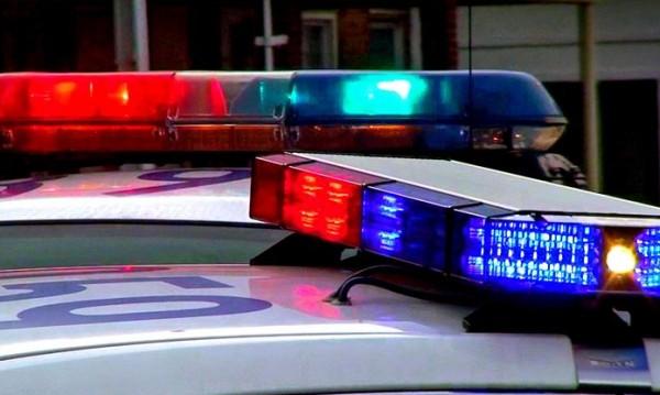 Жена открадна кола на заместник-шериф... гола