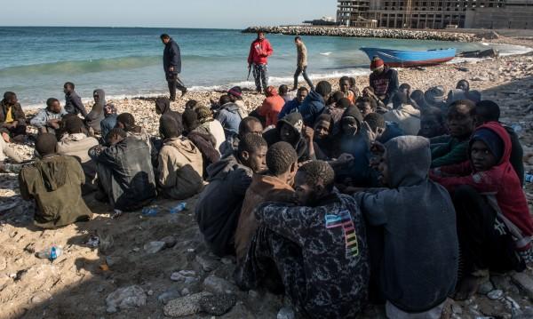 Еврокомисията против бежанците да се приемат отвън