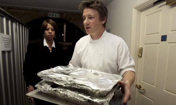 Криза! Джейми Оливър закрива 6 ресторанта заради Brexit-а