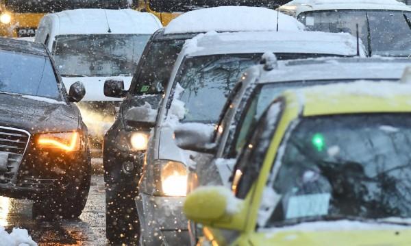 Преди Калотина: 27 км опашка от автомобили