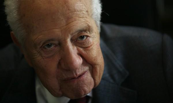 Почина бившият португалски президент Соариш