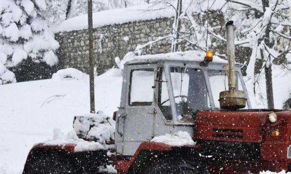 Ромски лидер с претенции шеф на АПИ лично да го вади от снега