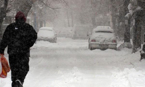 """Ледената епоха не отстъпва, в понеделник пак """"кучи студ"""""""