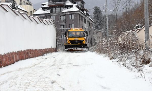 """Пореден леден ден у нас: Ваканция, """"жълт код"""", лед по Дунав"""