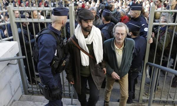 Je suis Cedric: Французин на съд, помагал на мигранти