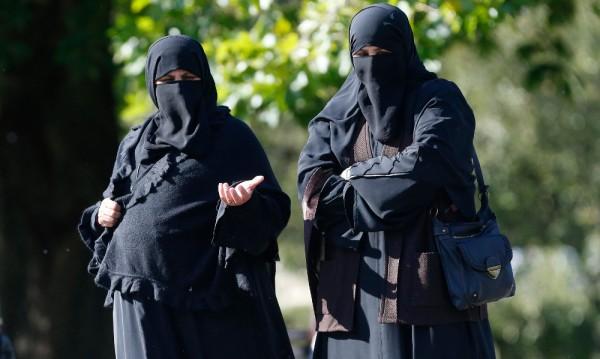 33% от мюсюлманите в Белгия: Коранът е най-висш закон