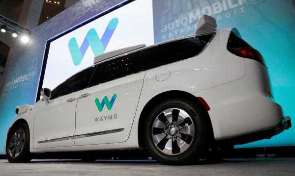 Google с подобрена система за автономни коли