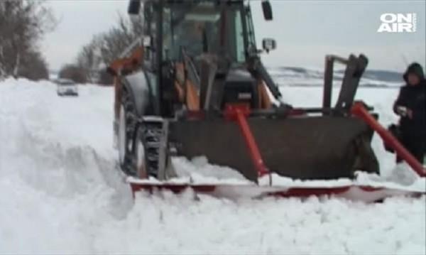 Снежен капан оплете шест села във Видинско