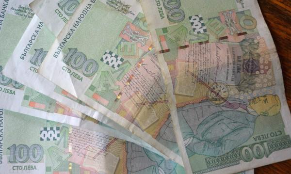 Трима на съд за обир на фирма в Търново