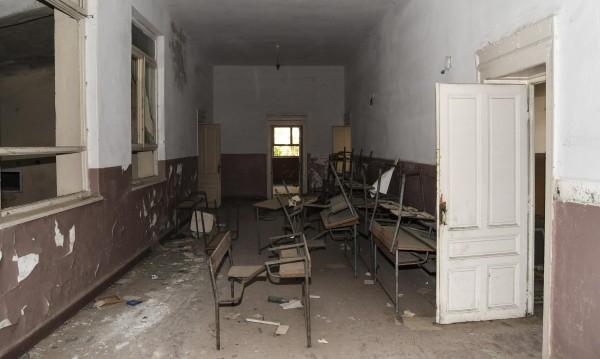 """Резултат с изображение за """"закриваме училища."""""""