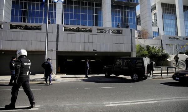 Руски дипломат бе открит мъртъв в Атина