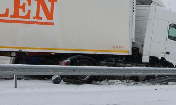 Опашки от камиони по границата