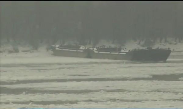 Дунав зазмръзва: Ледоходът стигна 80%!