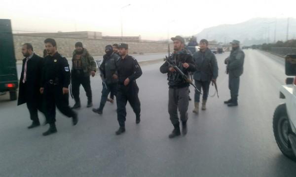 Десетки загинали при двоен самоубийствен атентат в Кабул