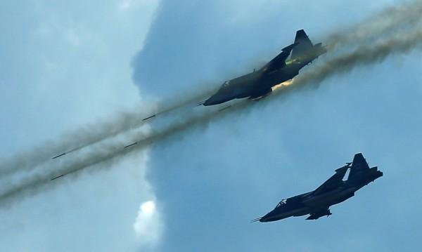 Русия прати 4 самолета в Сирия, а изтегли шест