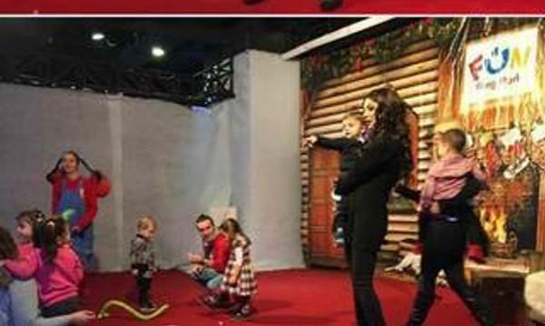 Емануела избра мол да празнува рождения ден на сина си
