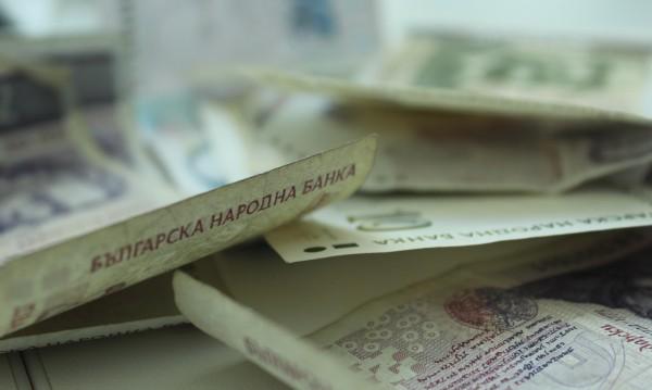БСП и ГЕРБ се изпокараха – кой дава пари, защо ги дава...