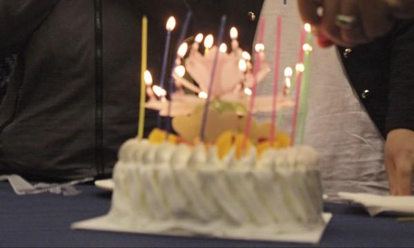 Майка, баща и син честват рожден ден в един и същ ден