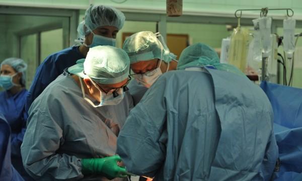 Трансплантираха черен дроб на 23-годишен във ВМА