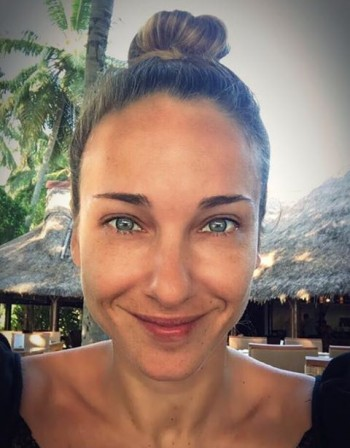 Красота: Алекс Раева без грим!