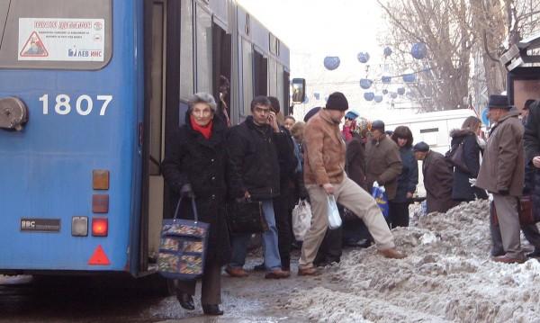 Транспортът се движи нормално в зимна София