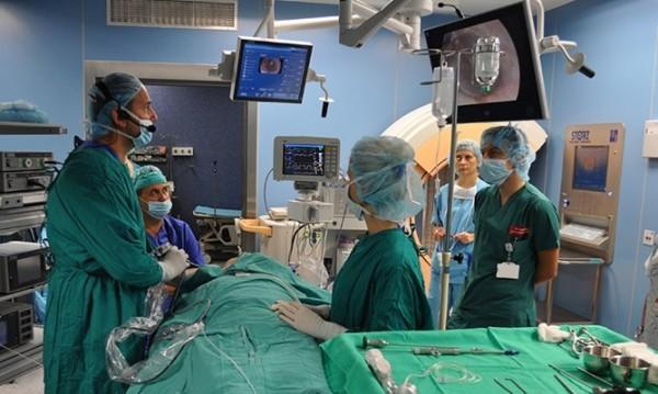 Уникална операция: Извадиха тумор през носа на пациент