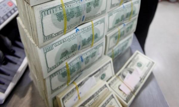 8 души с богатство, равно на притежаваното от 3,6 млрд. души