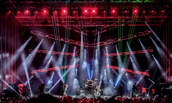 2 Cellos готвят грандиозно шоу в Арена Армеец