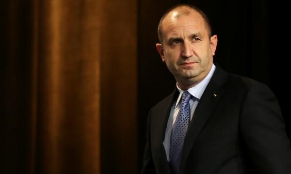 Генерал Румен Радев: Шпионин съм – на българския народ!