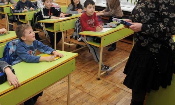 За 648 часа учителски труд годишно настоява синдикат