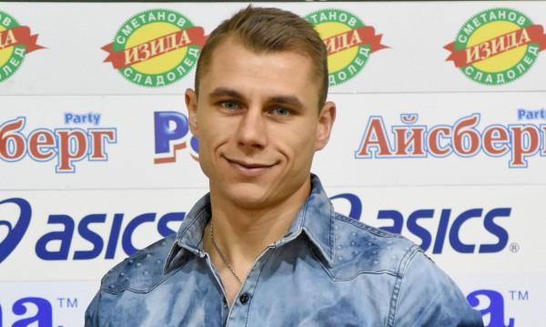 Цирк: Антон Огнянов се пазари с Левски за 1000 лв.